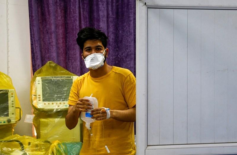 Ирански студент, инфектиран с коронвируса, е поставен под карантина в болница в Наджаф, Ирак Снимки: Ройтерс