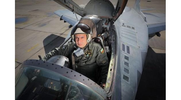 Черната кутия на МиГ-29, с който загина майор Терзиев, потвърждава версията за загуба на ориентация