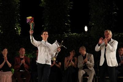 15-годишният Антонио Казалинхо от Португалия обра големите призове при младите и стана сензация на конкурса.