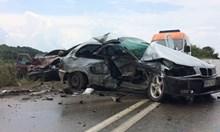Един загина, четирима ранени след челен сблъсък на пътя Враца - Криводол