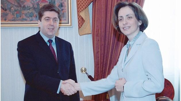 """29 години """"168 часа"""". Пророчество от 1995 г.: Михайлова и Първанов един ден ще въртят кормилото на държавата"""