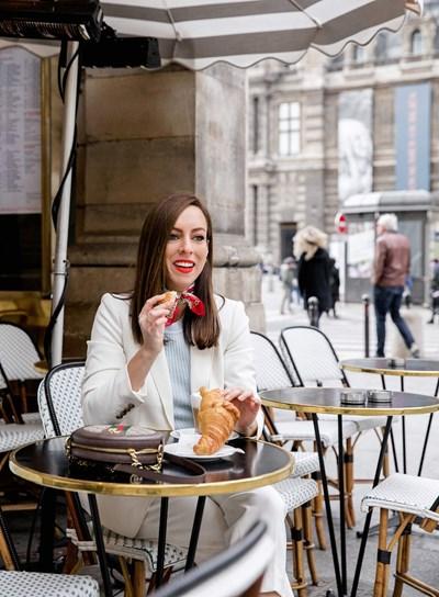 Парижанките се наслаждават на храната. СНИМКИ: ПИКСАБЕЙ