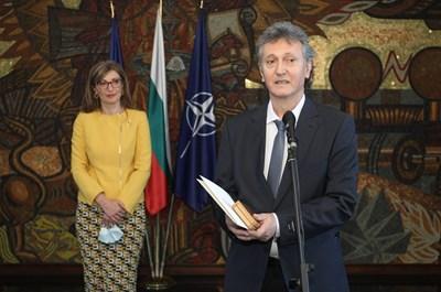 Михаил Михайлов бе освободен от поста почетен консул на 17 март 2021 г., като причината е окончателното му завръщане в България. Снимка: МВнР