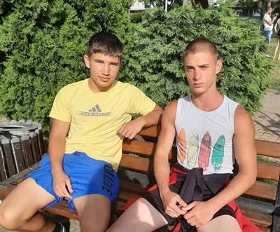 Спортните надежди Христо Ташев (вляво) и Жулиян Милчев.