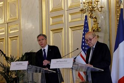 Американският държавен секретар Антъни Блинкън и колегата му Жан-Ив Льо Дриан СНИМКА: Ройтерс