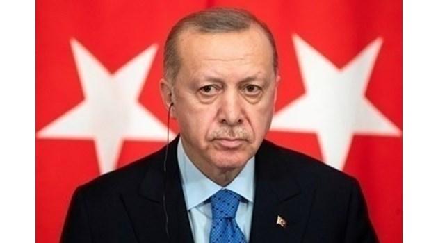 Ердоган: Демокрацията е трамвай, ще слезем като стигнем нашата спирка
