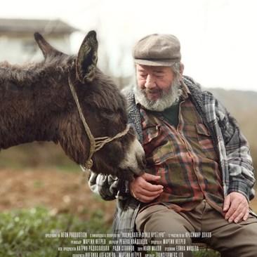 Актьорът Красимир Доков влиза в главната роля на Стамат, чийто най-добър приятел е магарето му Марта.