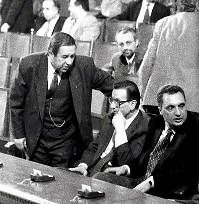 Остават 2 дни до победата, заявява лидерът на СДС Иван Костов на 2 февруари 1997 г.