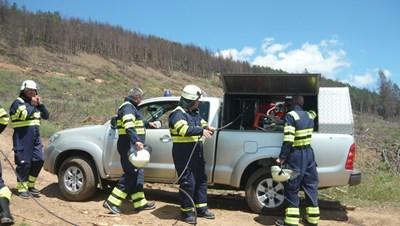Горските служители проверяват готовността за пожароопасния сезон.