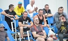 Двама министри и Митьо Очите аплодираха боксьори на турнир в затвора