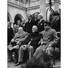 Тримата големи на Ялтенската конференция. Болън е вляво зад Чърчил.