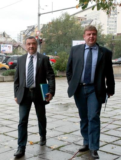 Лидерите на Патриотичния фронт Красимир Каракачанов и Валери Симеонов.