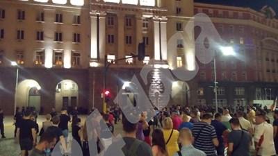 Протестът приключи пред Министерски съвет (Обновена, снимки)