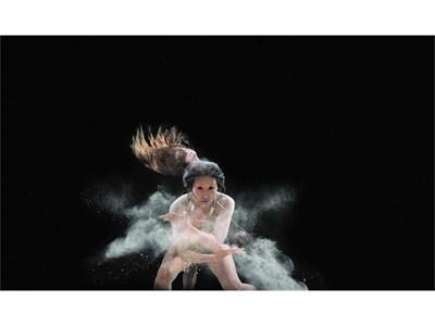 В спектакъла A.S.P.A., който открива танцовия фестивал, участват артисти от целия свят.  СНИМКИ: АРХИВ
