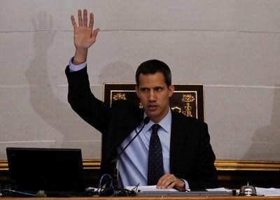 Венецуелският опозиционер Хуан Гуайдо  СНИМКА: Ройтерс