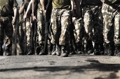 Обявиха конкурс за 198 вакантни войнишки длъжности в Сухопътните войски