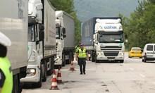 Акция на КАТ, цяла седмица проверяват тирове и автобуси (Снимки)