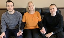 Първата Коледа с мама, която уби татко. Жената прекарала 9 години в затвора и сега е оневинена