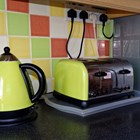 Използването на тостер и електрически чайник през нощта може да е свързано с редица старчески болести.
