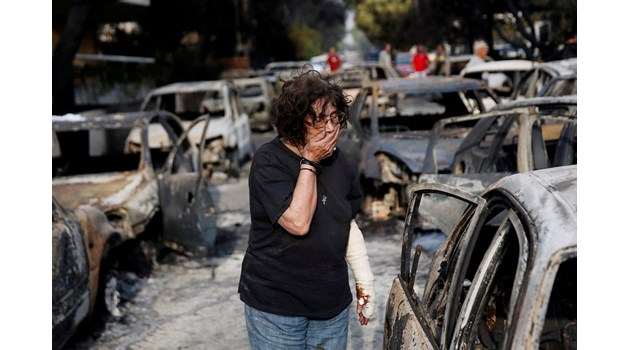 Оцелял край Атина: Огънят погълна къщата ми за 5 мин., асфалтът гореше, не се дишаше