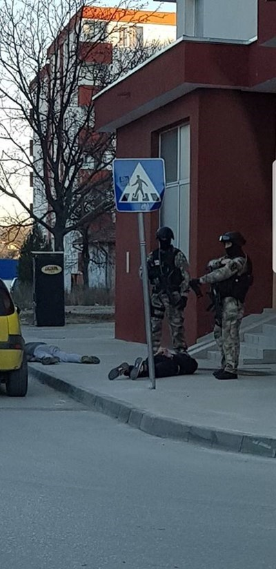 "Показни арести в квартал ""Бузлуджа"" СНИМКА: Фейсбук"