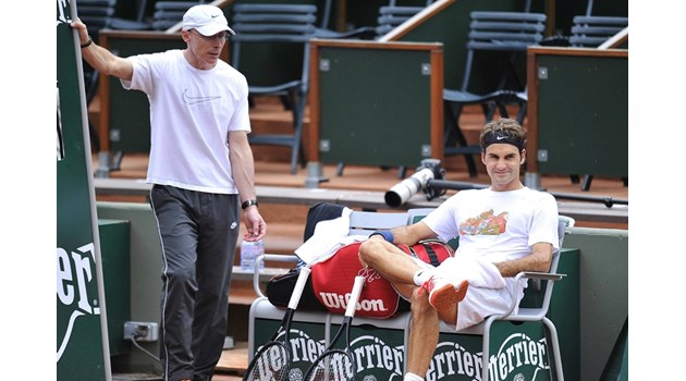 """Бивш футболист е човекът в сянка, който помогна да се случи """"чудото Федерер"""""""