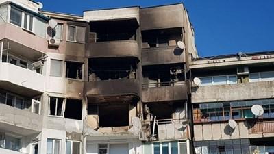 """Часове след взрива блокът изглеждаше така. Снимка: """"24 часа"""""""