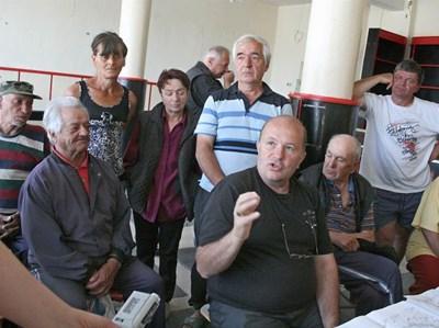 Жителите на Поповяне организират подписка срещу концесията СНИМКА: Антоанета Пелтекова