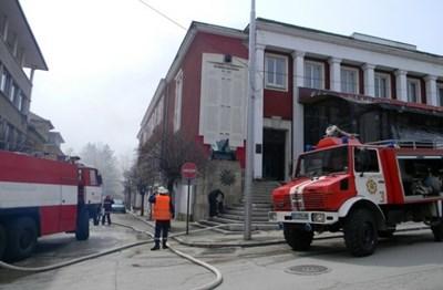 Залата на военния клуб бе унищожена от пожар СНИМКА: Архив