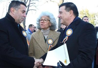Галин Григоров и министър Никулае Бъдълъу  СНИМКА: Авторът