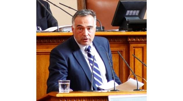 Телефонни измамници искали 25 000 лв. от майката на Антон Кутев