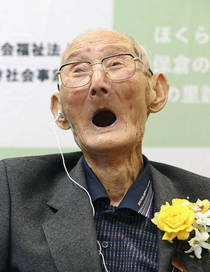 112-годишният Читецу Ватанабе СНИМКИ: Ройтерс