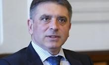 Най-тъжното последствие от оставката на Кирилов е, че Калин Вельов пак изгоря
