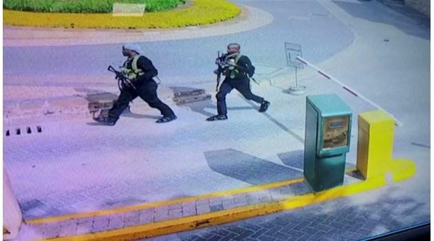 Мъж, оцелял на 11 септември, загина при атентата в Найроби (Снимки)