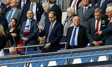 """Ултраси със синя кръв: Принц Уилям е луд фен на """"Астън Вила"""", брат му Хари ходи на стадиона заради купона"""
