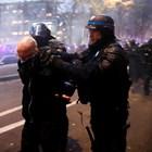 Френският вътрешен министър: Вандалите рушат Републиката (Снимки)