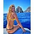 Руска плувкиня обикаля Капри