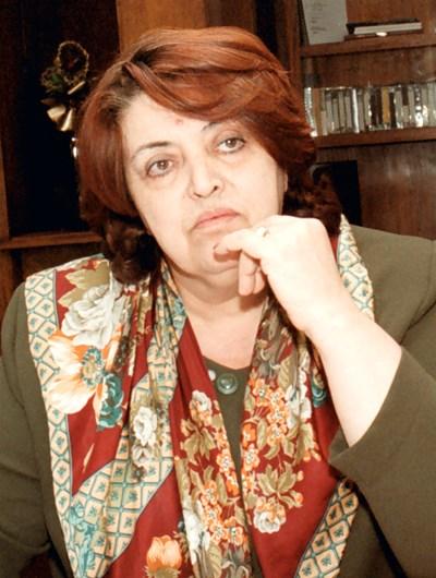 Христина Авгелакова - певица, влюбена в живота и в сцената