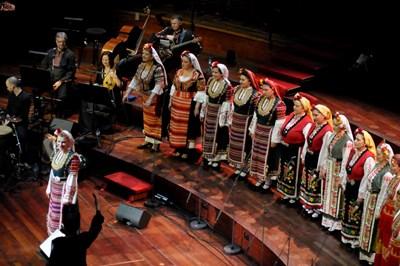 """""""Мистерията на българските гласове"""" изнася концерт в Холандия. СНИМКИ: ФЕЙСБУК И АРХИВ"""