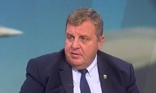 Каракачанов: Още бойни самолети ще бъдат купени, но не сега