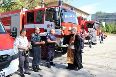 Водосвет за здраве бе отслужен в навечерието на професионалния празник на пожарникарите