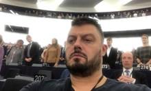 Бареков: Задници, които пратиха евродепутатин Бай Ганьо да яде върху вестник бурканчета от жена си ми предават урок по инглиш