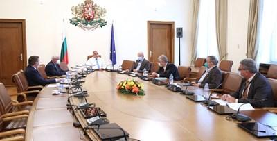 Борисов на срещата с Националния оперативен щаб в Министерския съвет. Снимка Фейсбук:Бойко Борисов