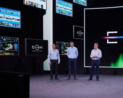Главният изпълнителен директор на телекома Атанас Добрев (вдясно) представи новата платформа.