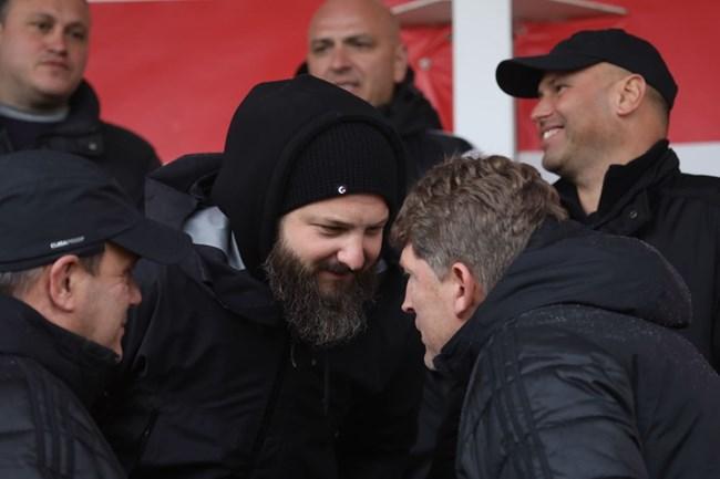 Стойчо Стоилов и Данаил Ганчев дискутират играта на ЦСКА.