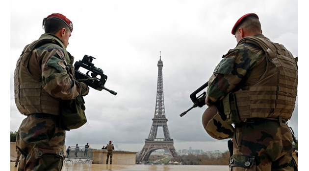 Фантасти пишат стратегически прогнози за френските военни