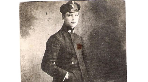 """Оцелял от """"Титаник"""" брани с бомби селска черква. Невероятната история на Тотю"""