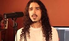 """Мъж изпя """"Бохемска рапсодия"""" с 42 различни гласа (Видео)"""