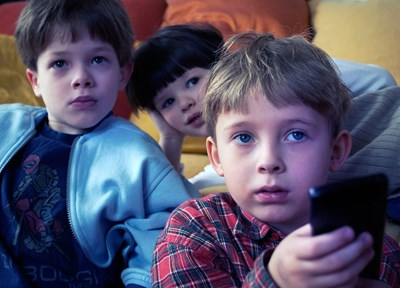 Децата да не се събират на групи по време на ваканцията, за да е ефективна мярка за ограничаване на грипа, съветват лекарите.