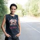 Яна Маринова: Можеш да си с високите токчета и пак да искаш да оставиш нещо от себе си